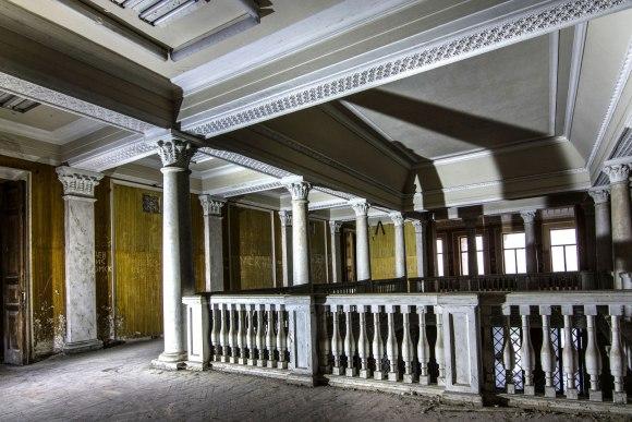 Antro aukšto kolonos
