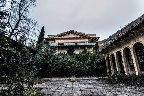 Kiemas ir rūmai