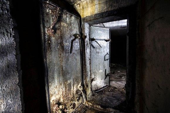Slėptuvė Dzūkų gatvėje - hermetinės durys
