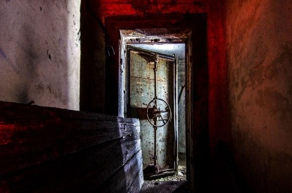 Slėptuvė Reformatų skvere - hermetinės durys