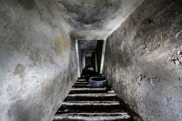 Slėptuvė Pušų gatvėje - laiptai link išėjimo