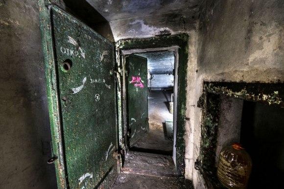 Slėptuvė Pušų gatvėje - hermetinės durys