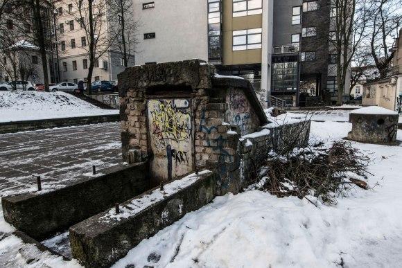 Slėptuvė Reformatų skvere - įėjimo durys