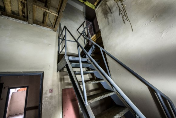 Laiptai į antrą aukštą