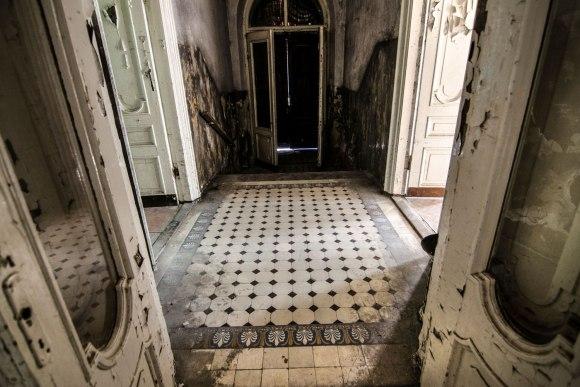 Paradinės durys