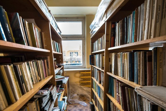 Knygos lentynose