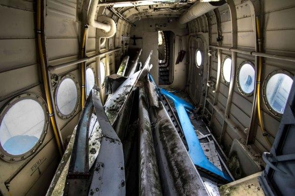Apleistas lėktuvas - viduje