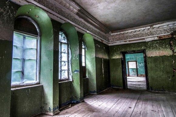 Šokių salės langai