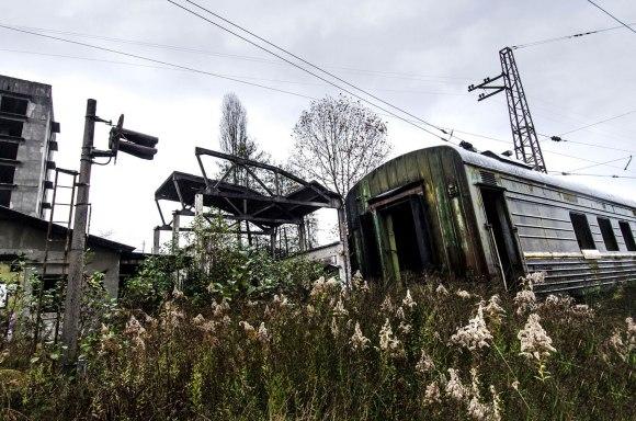 Namai ir traukiniai