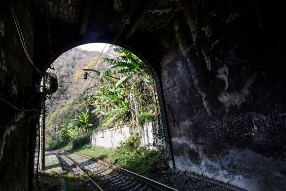 Tunelio viduje