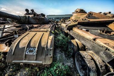 Apleisti  tankai