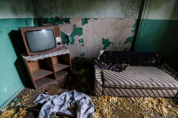 Čiužinys ir televizorius