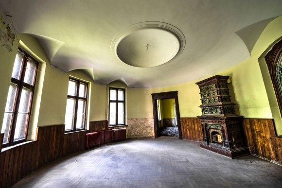 Apvali patalpa ir senovinė krosnis