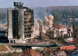 Sugriauti pastatai Vukovar, Kroatija