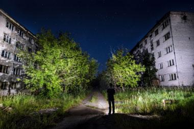 Skrunda naktį