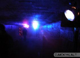 Pirmoji patalpa 2002