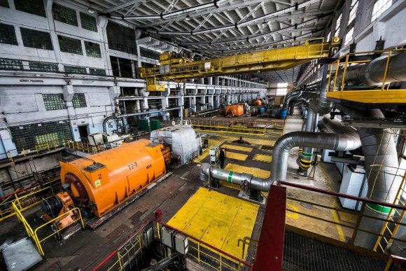 Vaizdas į turbogeneratorių salę