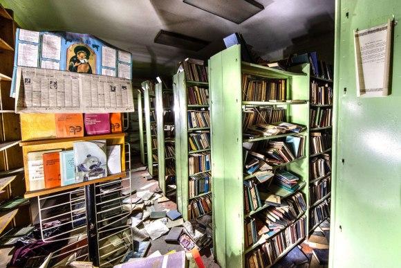 Dar viena biblioteka