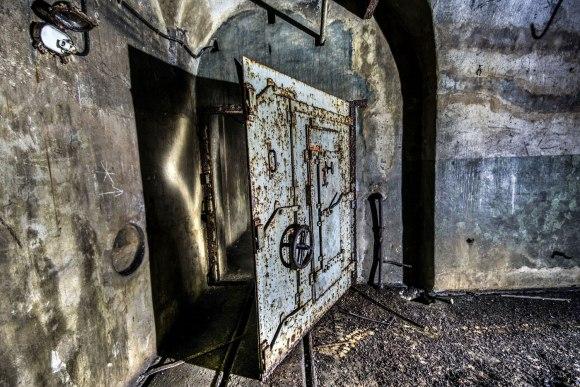 Mažino linija - įėjimo durys