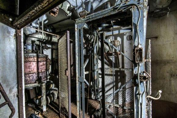 Mažino linija - lifto šachta