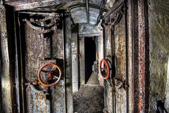 Mažino linija - šarvuotos durys