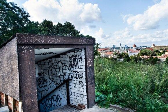 Nusileidimas į bunkerį