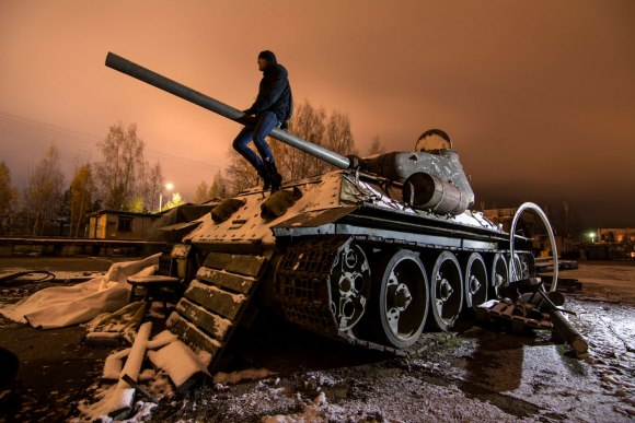 Tankas T-34 ir kolega