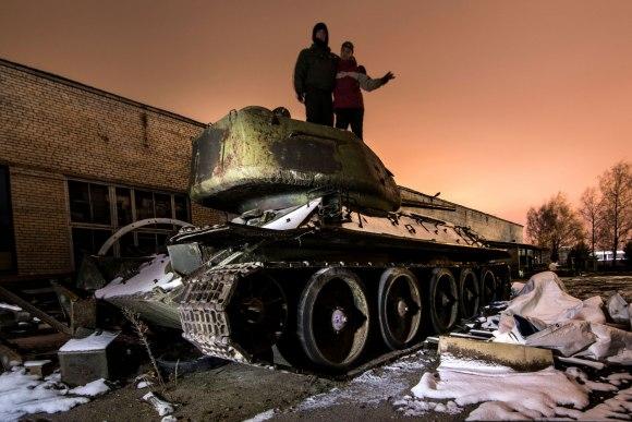 Tankas T-34 ir kolegos