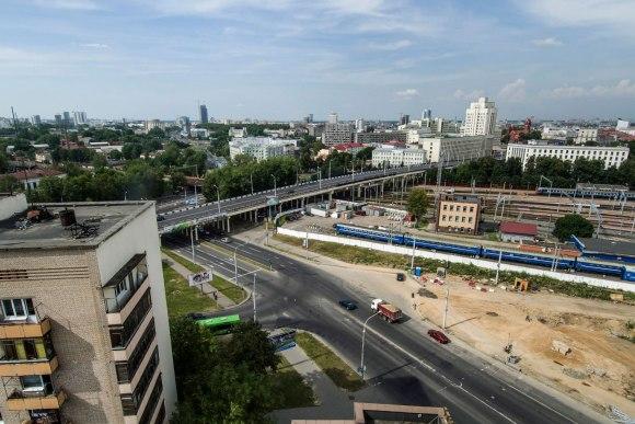 Tiltas per geležinkelį