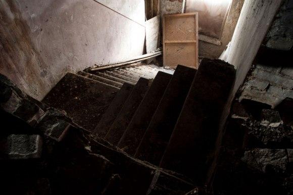 Laiptai į rūsį