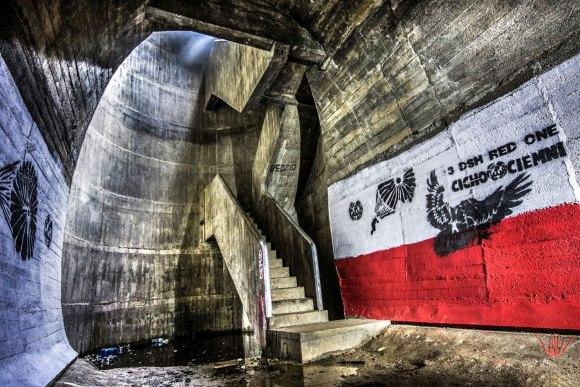 Regenwurmlager - laiptai ir lifto šachta