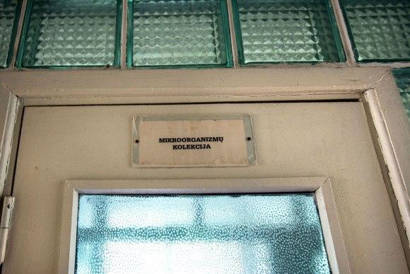 Užrašas ant durų