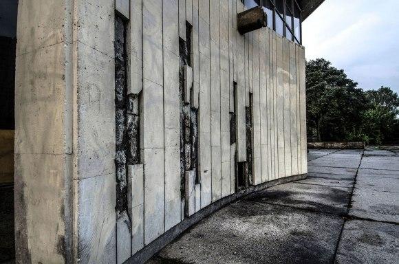 Koncertų ir sporto rūmai - fasado pažeidimai