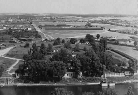 1912, žydų kapinių likučiai