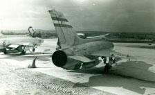 Željava oro bazė - lėktuvai ant pakilimo tako