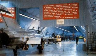 Željava oro bazė - prie įvažiavimo